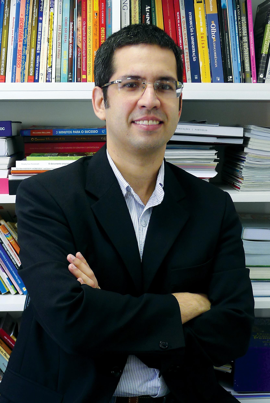 Haroldo Falcao; ?>